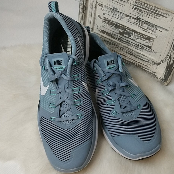 EUC Nike Flywire training sneakers. Size 13